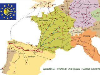 A partir de 1987 la emblemática jacobea del Consejo de Europa, con los colores azul y amarillo de la bandera de la Unión Europea, han sido asumidos como iconos recurrentes del Camino de Santiago.