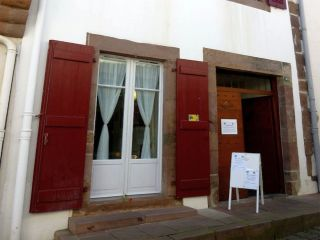 Refugio parroquial Kaserna, Saint Jean Pied de Port