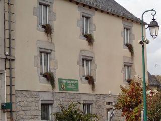 Gîte d'étape Les Sentiers Fleuris, Aumont-Aubrac