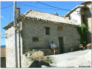 Albergue de peregrinos de Arrés, en el Camino Aragonés