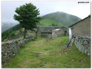La aldea de Montefurado, en el Camino Primitivo