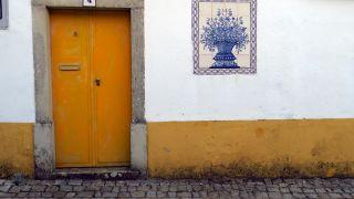 Casa y calle empedrada en Alvorge