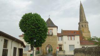 Torre con arco e iglesia, Auriébat