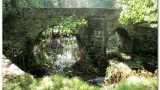 Ponte Vella de Martiñán, sobre el río Batán