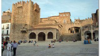 Ermita de la Paz y Arco de las Estrellas, Cáceres