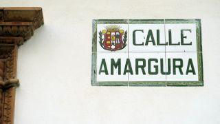 Singular calle en el centro de Trigueros