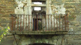 Caserón abandonado cerca de Quiroga