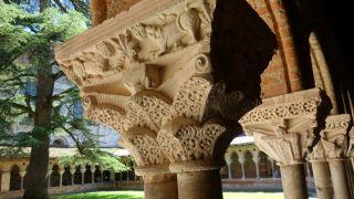Detalle de los capiteles del claustro de la abadía Saint-Pierre, Moissac