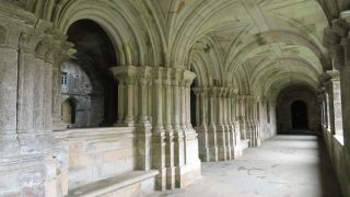Claustro del monasterio de Sobrado dos Monxes