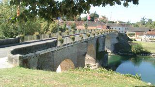 Puente sobre el Gave d'Oloron, a la salida de Navarrenx