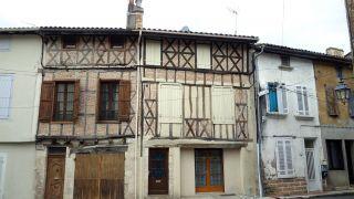 Edificios antiguos en la rue Bistouquet, Eauze