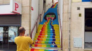 Escalinata convertida en mural pop en Águeda