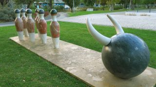 ¿Bolos o forcados? Escultura urbana en Santarém