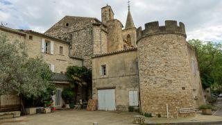 Iglesia y torreón, Grabels
