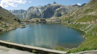 Lago del Col du Grand-Saint-Bernard
