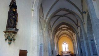 Interior de la iglesia de Espeyrac
