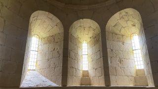 Ventanas de iglesia de Santa María la Real de Gradefes