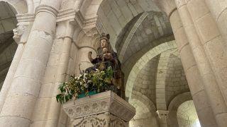 Imagen de la virgen en la iglesia de Santa María la Real de Gradefes