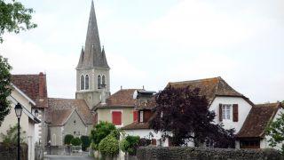 Vista de la iglesia de Maslacq