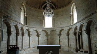 Interior de la iglesia de Lacommande