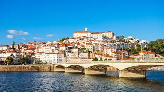 Coimbra, a la vera del río Mondego