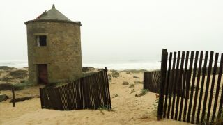 Molino en la playa de Aguçadoura