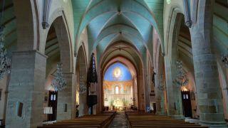 Interior de la iglesia de Sainte-Foy, Morlaàs