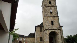 Torre de la iglesia de Moumour