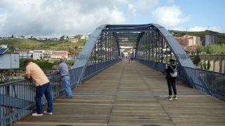 Puente de hierro, Peso da Régua