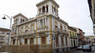 Antigua casa palaciega en el centro de Pinos Puente