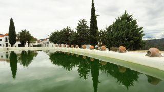 Alberca-piscina pública con agua de manantial, Cañaveral de León