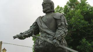 Estatua de Ponce León en Santervás de Campos
