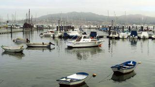Puerto de Baiona, con la reproducción de la carabela Pinta