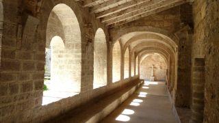 Claustro de la abadía de Saint-Guilhem-le-Désert