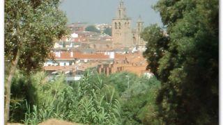 Al fondo, el monasterio de Sant Cugat