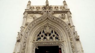 Portada de la iglesia de São João Baptista en Tomar