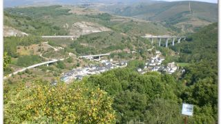 Vega de Valcarce desde el castillo de Sarracín (Fuera Ruta)