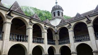 Claustro del monasterio de Sarrance