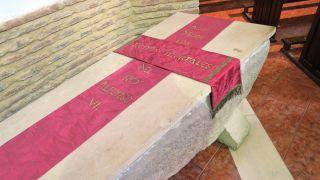 Sepulcro del rey Alfonso VI en Sahagún