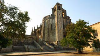 Girola u oratorio circular de los templarios en Tomar