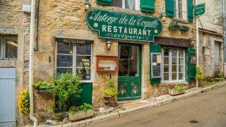 Restaurante del casco antiguo de Vézelay