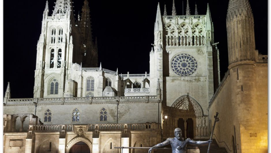 Monumento al Peregrino y Catedral de Burgos