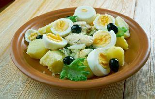 Bacalhau à Gomes de Sá, plato tradicional de la cocina portuguesa
