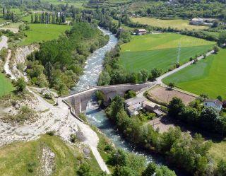 Puente de San Miguel en Jaca, sobre el río Aragón