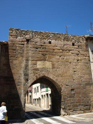 Aguilar de Campoo (Puerta de la Muralla)