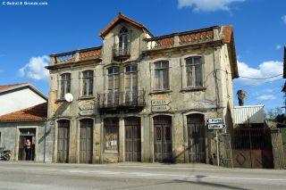 Edificio a pie de carretera en Albergaria-a-Nova