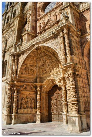Portada de la catedral de Astorga