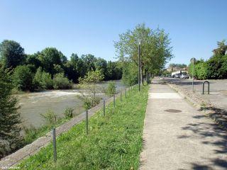 El Camino del Piamonte junto al río Aude, a la salida de Carcassonne