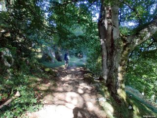 Precisa y dura subida a la salida de Bagnères-de-Bigorre