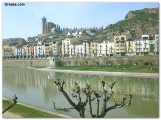 El río Segre y la parte antigua de Balaguer